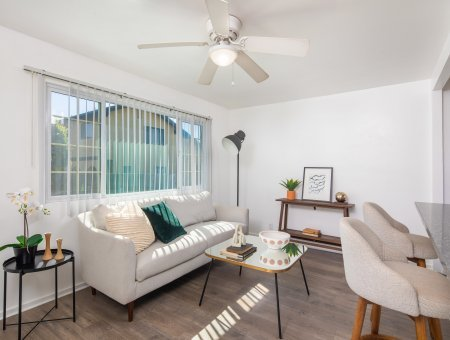 Newly Renovated Duplex Located Near The Beach